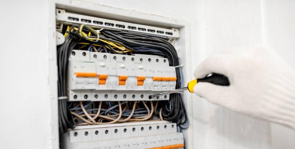 Circuit Breaker Panel vs. Power Panel: Differences Explained