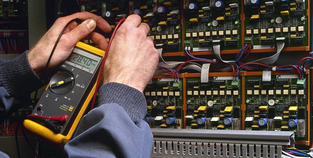 Choosing a Reputable Electrician in Arizona